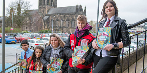 Pupils become Big Issue vendors for the day in a special edition sell-off
